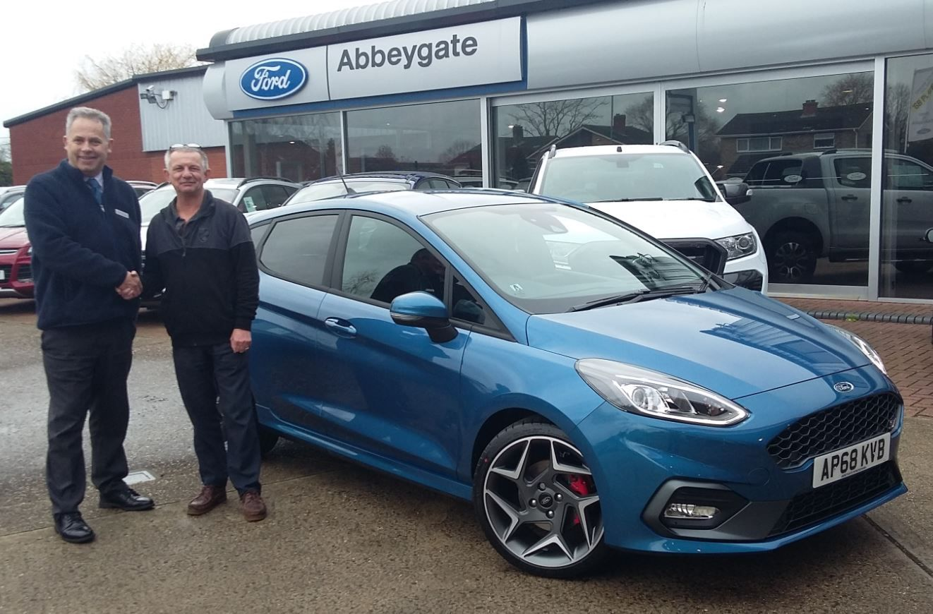 Mr Youngman takes delivery of his new Fiesta ST-3